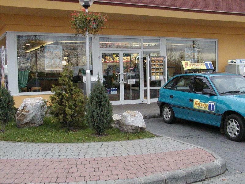 McDonald's Pécs, Zsolnay V. u.